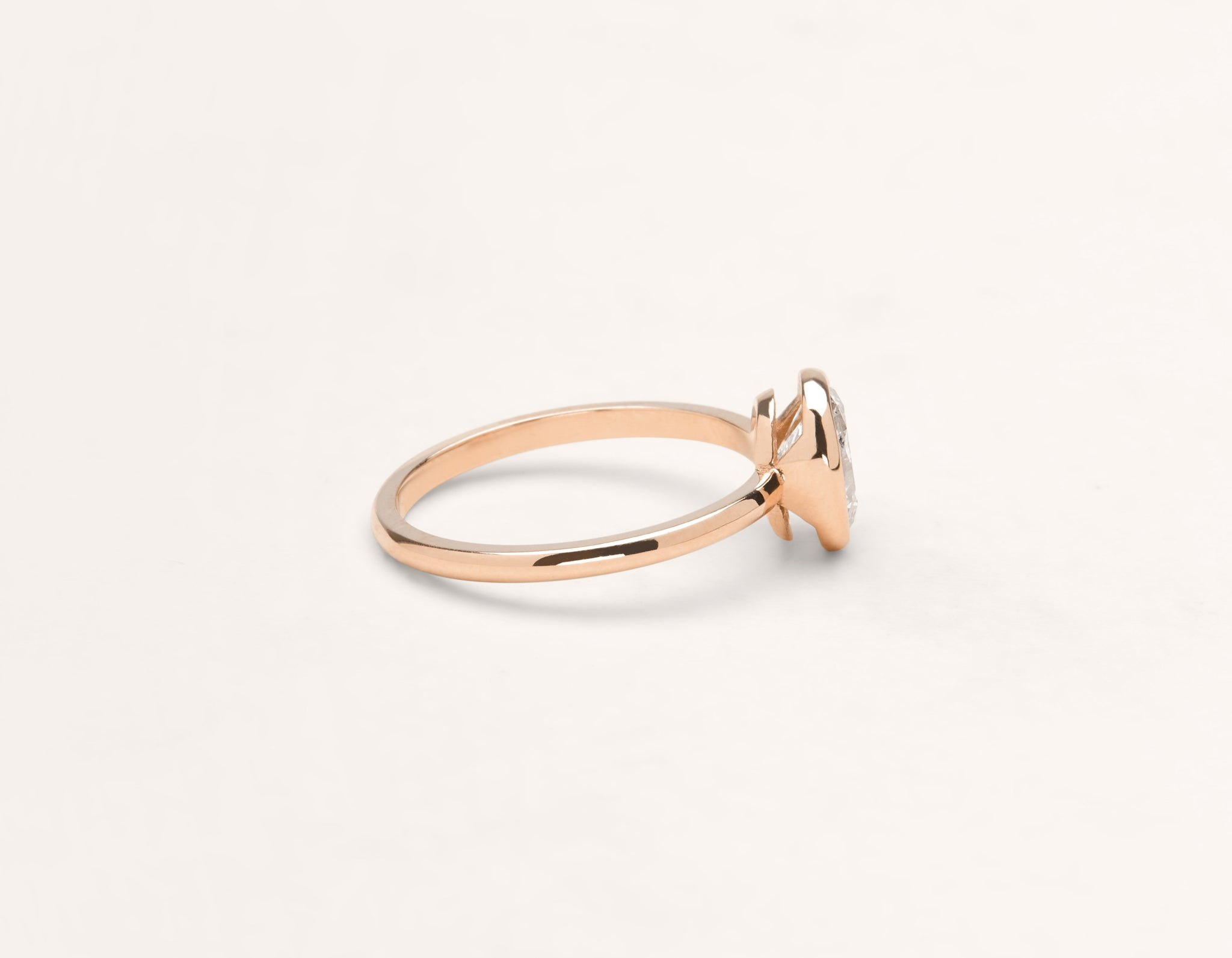Simple modern 18k solid rose gold 1 carat Oval bezel diamond engagement ring Vrai & Oro