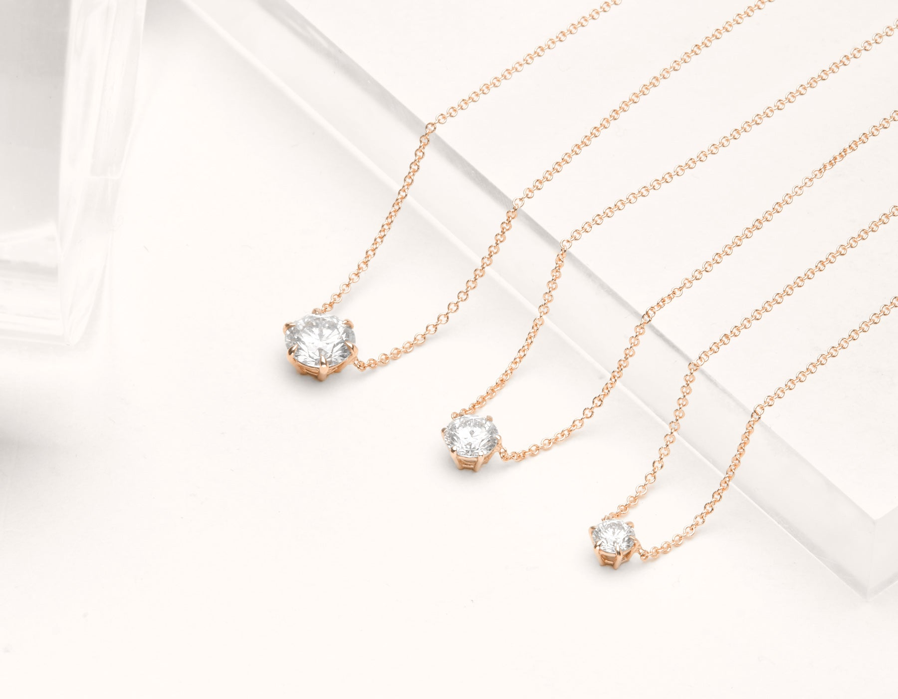 close up simple elegant Round Brilliant Diamond Necklace 6 prong set Vrai & Oro 18k solid rose gold, 18K Rose Gold