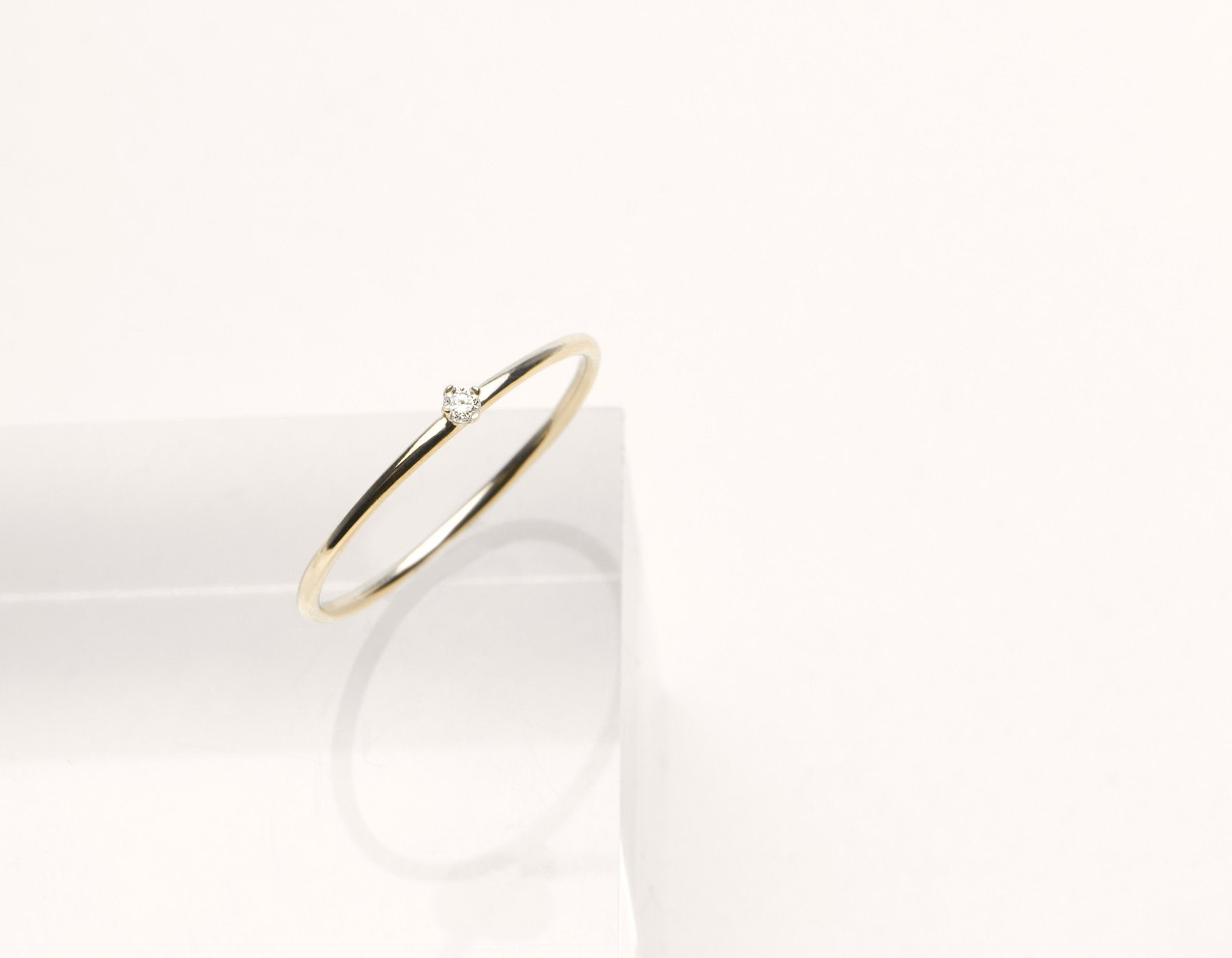Modern minimalist Round White Diamond stacker ring Vrai & Oro 14k solid gold, 14K Yellow Gold