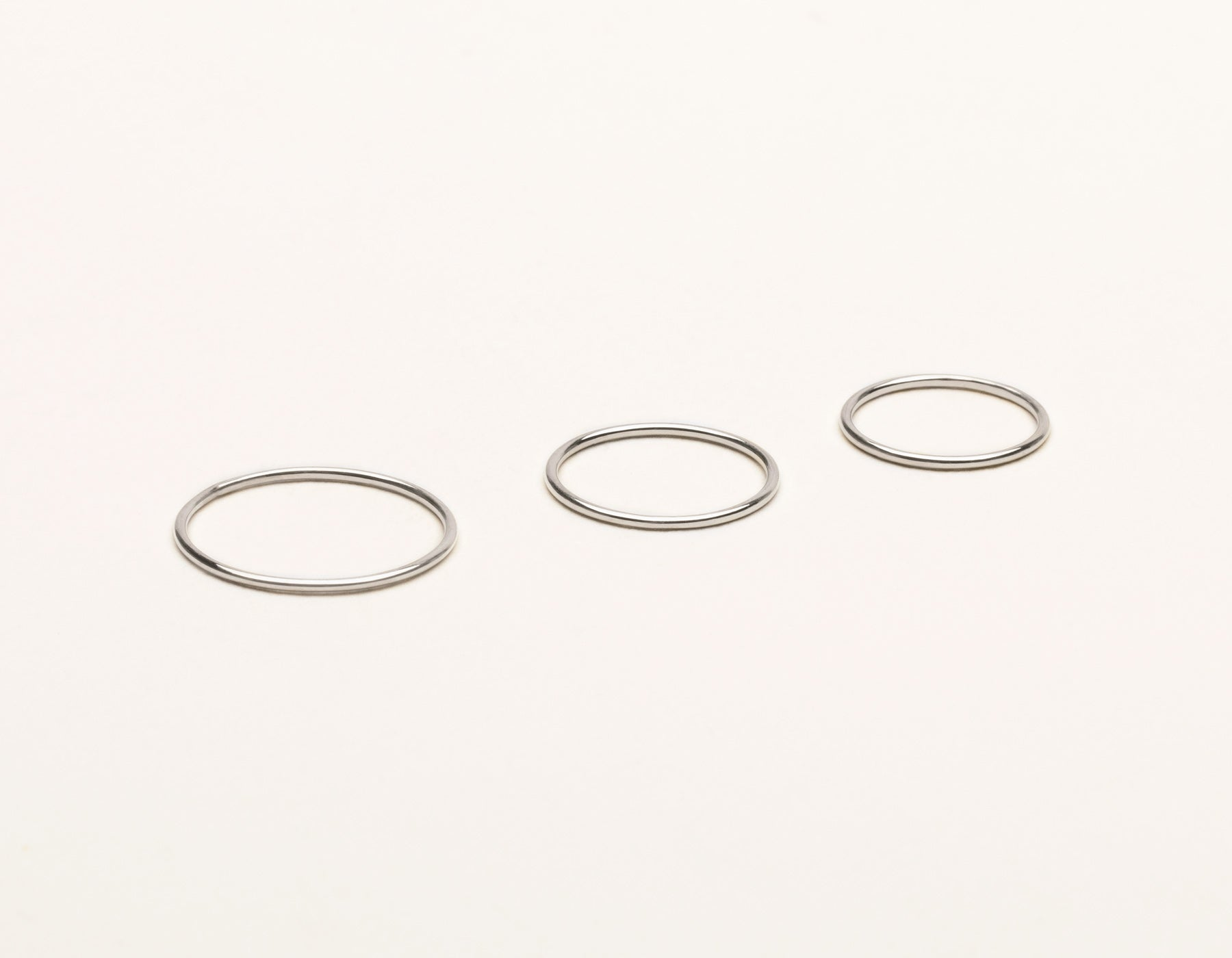 Skinny Stacker Ring Set 14k solid gold vrai & Oro plain round thin band, 14K White Gold