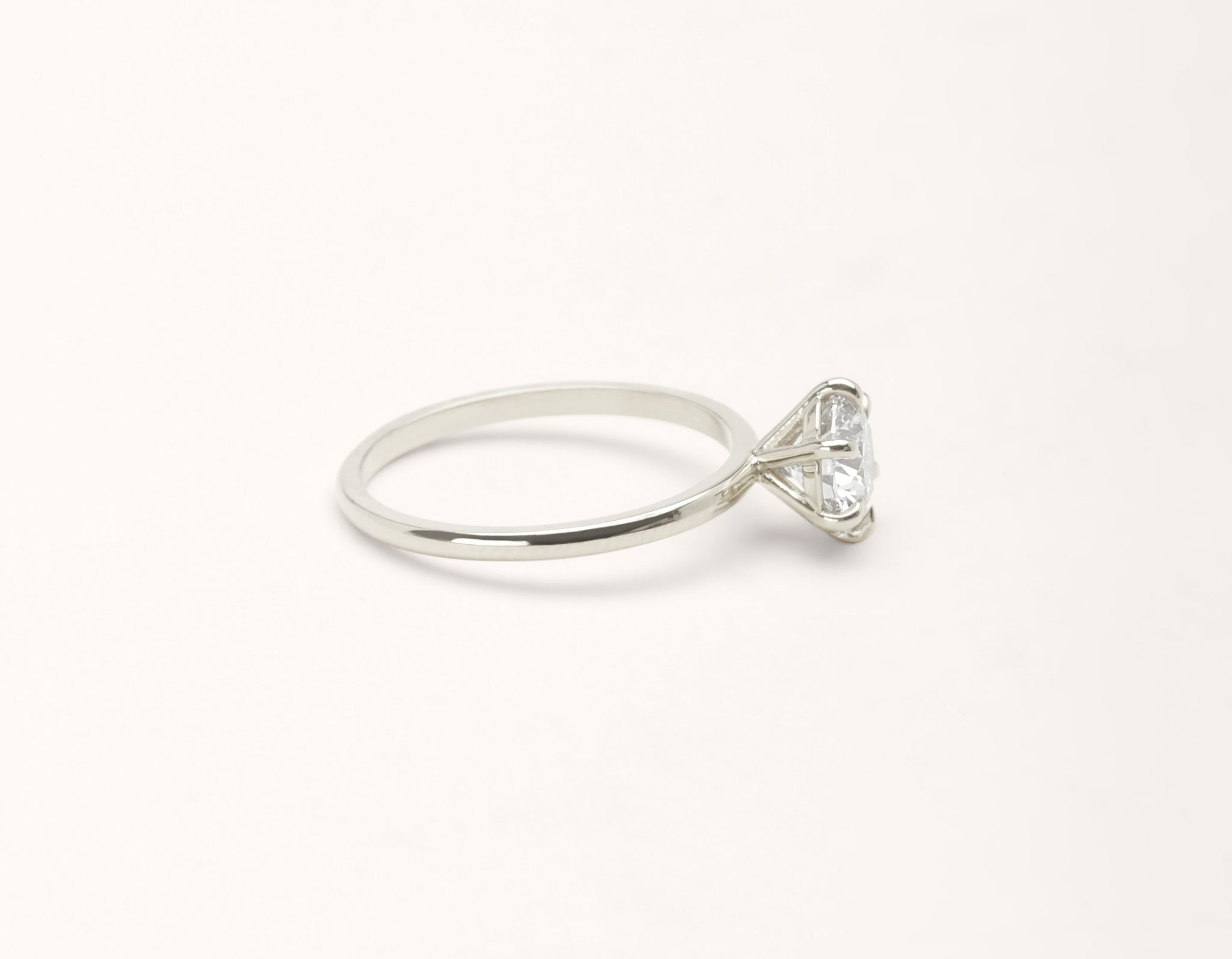 Simple modern 18k solid white gold 1 carat round brilliant Solitaire diamond engagement ring Vrai & Oro