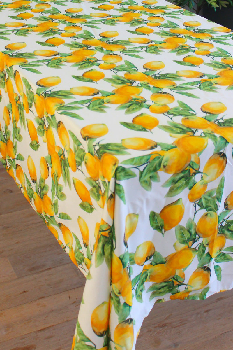 The Love & Limoni Tablecloth