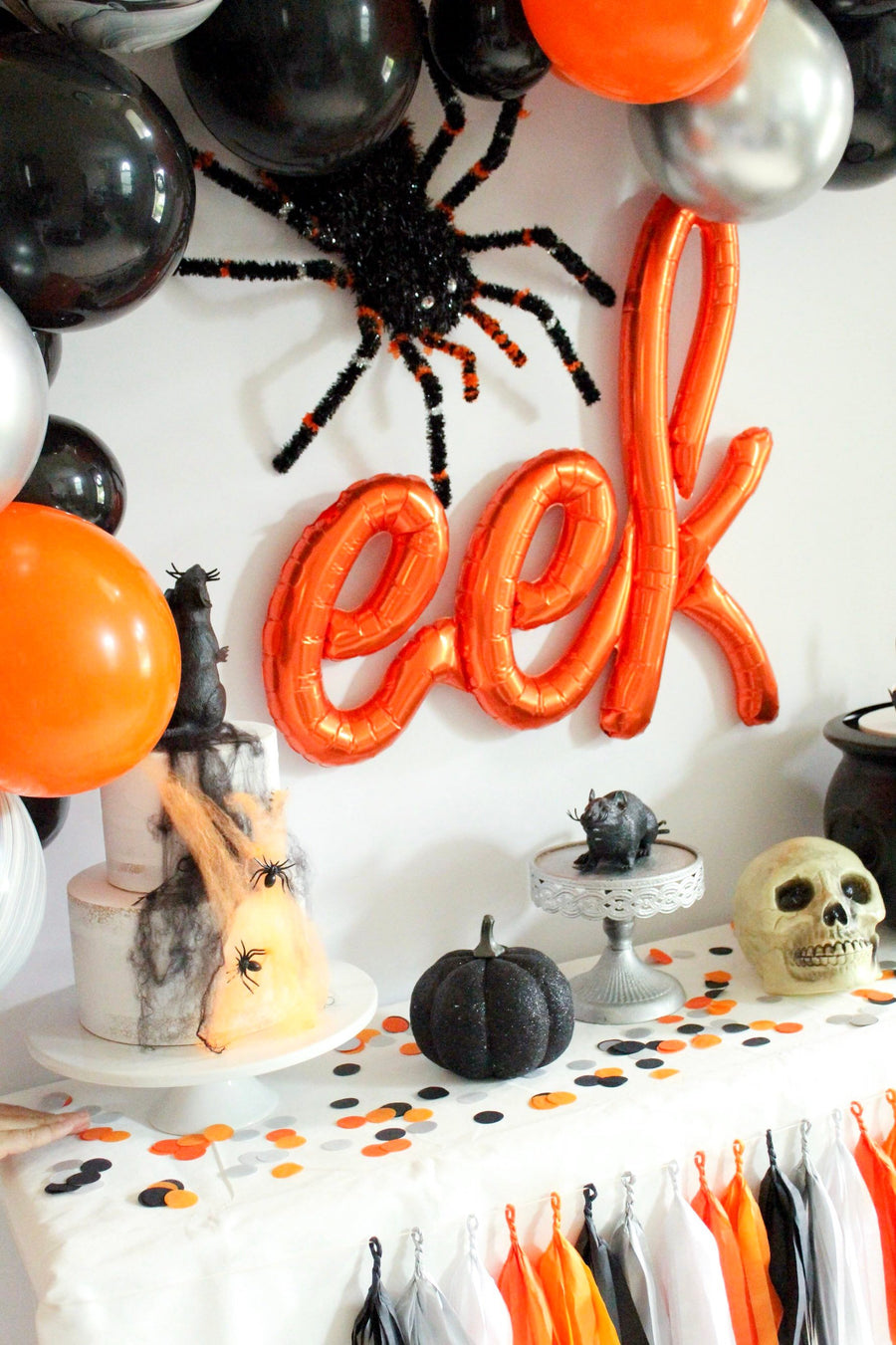 """Eek"" Orange Halloween Balloon"