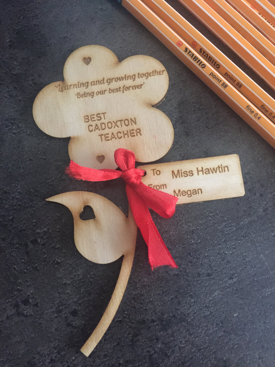 Personalised wooden flower with tag - Laser LLama Designs Ltd
