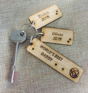 Oak Veneer Persoanlised keyring world best dad - Laser LLama Designs Ltd