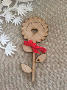 Personalised oak venner flower decoration - Laser LLama Designs Ltd
