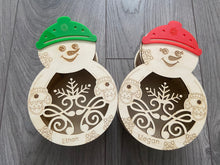 Load image into Gallery viewer, Wooden personalised snowman box