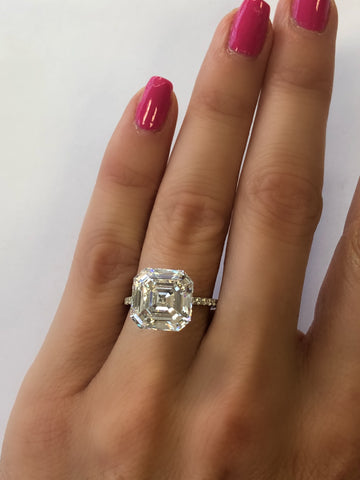 MDR Atelier Emerald Cut Engagement Diamond Ring