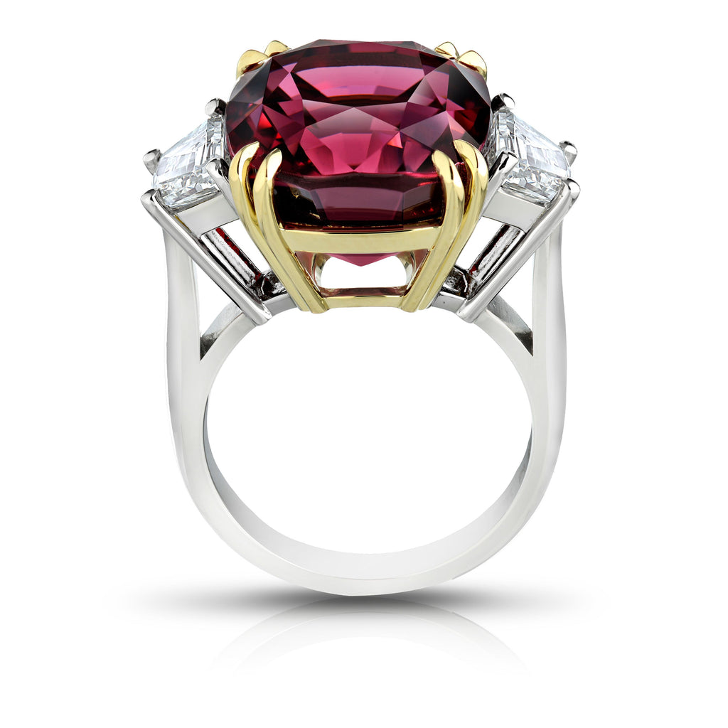 Miss Diamond Ring red spinel with trapezoid diamonds