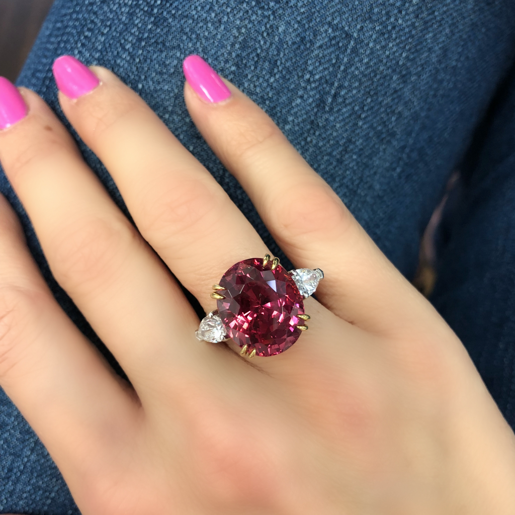 Miss Diamond Ring Spinel oval with pear diamond rings