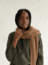Load image into Gallery viewer, Alpaca Ribbed Scarf - Camel