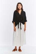Load image into Gallery viewer, Kahlo Top, Cropped - Cotton Bubble Gauze in Black