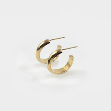 Load image into Gallery viewer, Jane Hoops in Gold