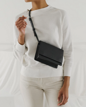 Load image into Gallery viewer, Small Structured Crossbody - Black