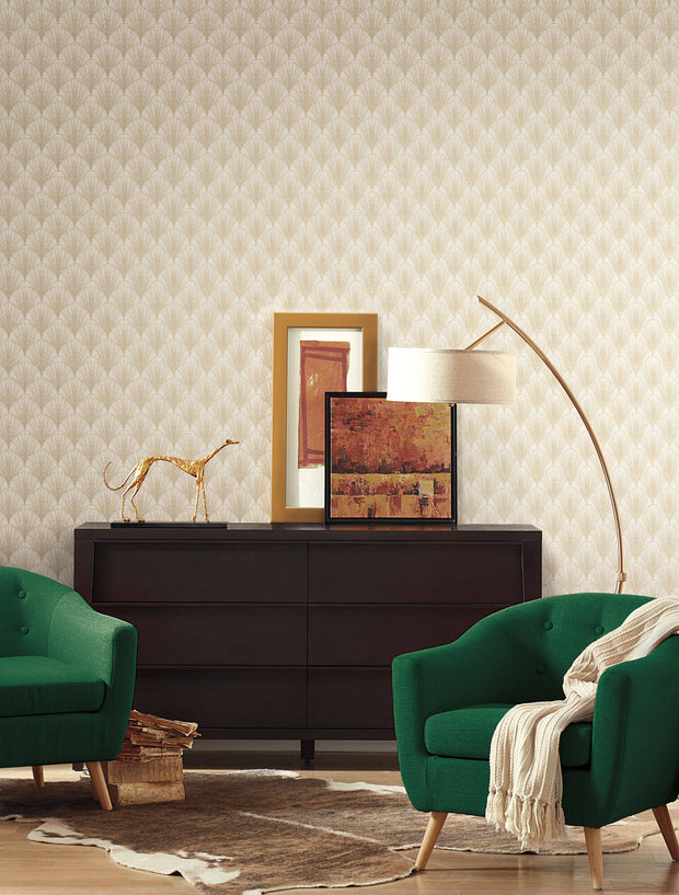 Modern Heritage Scalloped Pearls Wallpaper - White & Gold