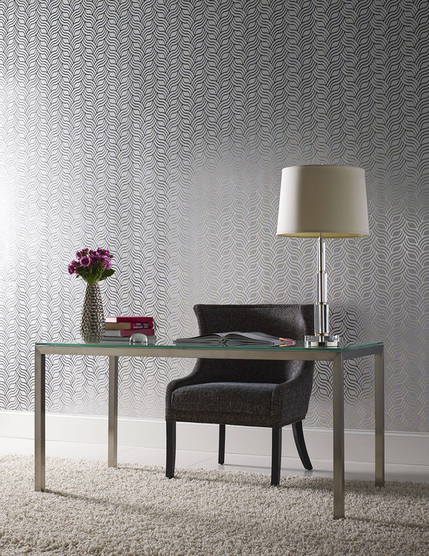 Interlocking Geo Wallpaper - White/Metallic Silver