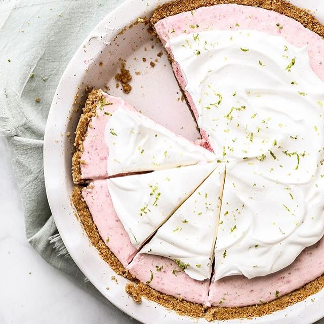 No-Bake Strawberry Margarita Pie | FOODIE FRIDAY