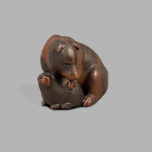 Load image into Gallery viewer, Netsuke - Mother and Pup