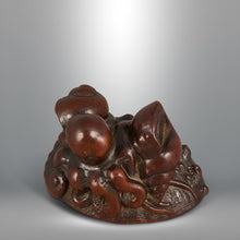 Load image into Gallery viewer, Netsuke - Awabi and Octopus