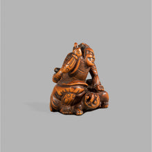 Load image into Gallery viewer, Netsuke - li no Hayata Slaying the Nue
