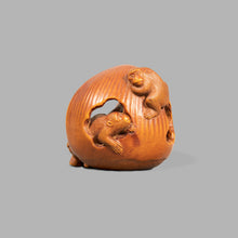 Load image into Gallery viewer, Netsuke - Sambiki Saru
