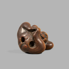Load image into Gallery viewer, Netsuke - Monkey and Persimmon Fruit