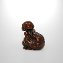 Load image into Gallery viewer, Netsuke - Masseur Lifting a Stone