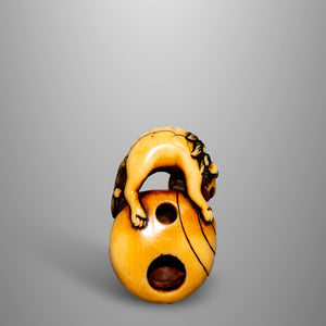 Netsuke – Shishi on a Tama