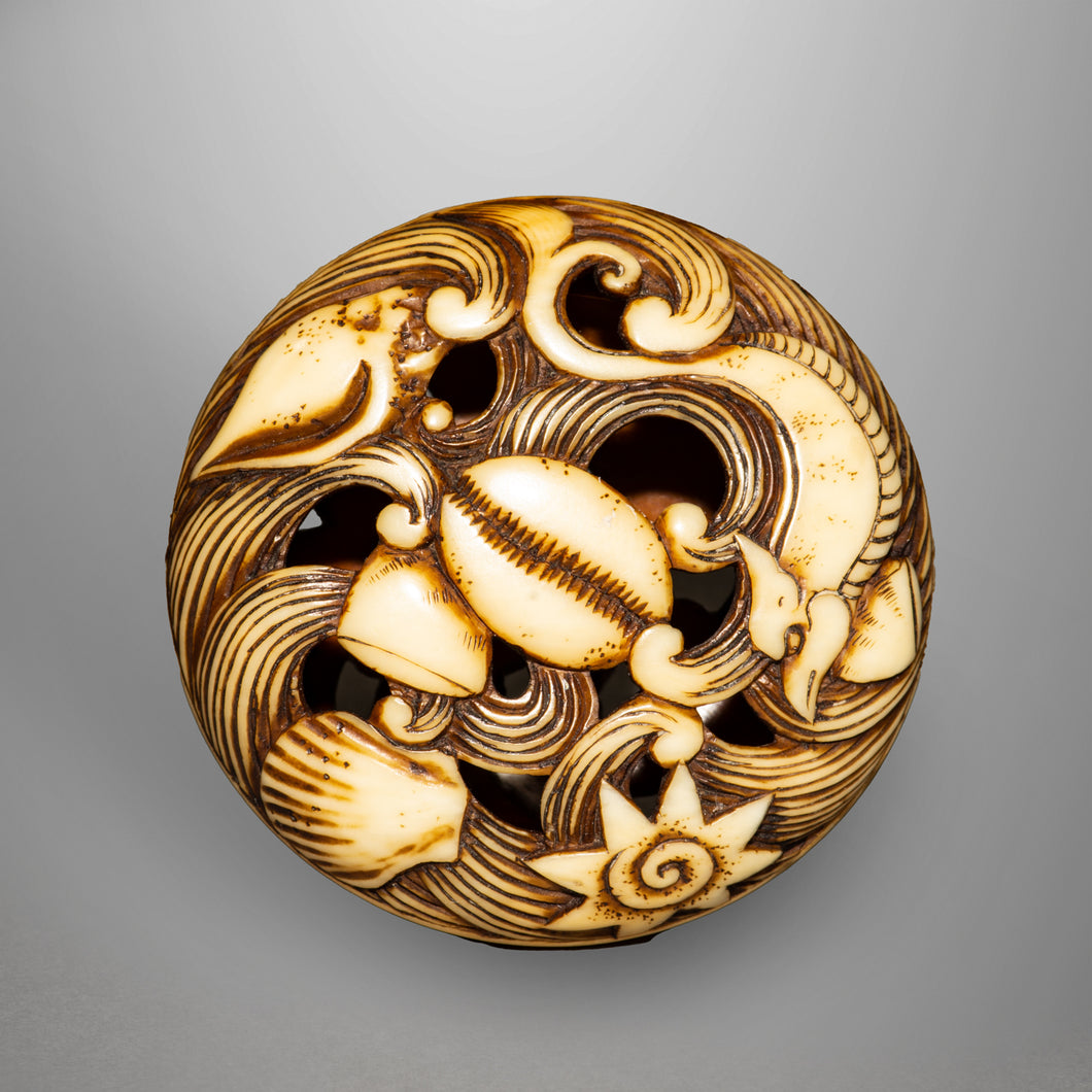 Ryusa Netsuke - Waves and Shells