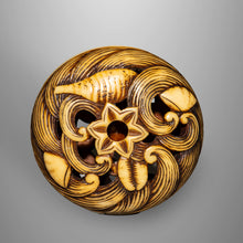 Load image into Gallery viewer, Ryusa Netsuke - Waves and Shells