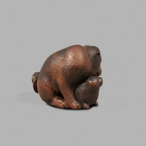 Netsuke - Mother and Pup