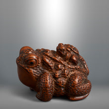 Load image into Gallery viewer, Netsuke - Toad and Young