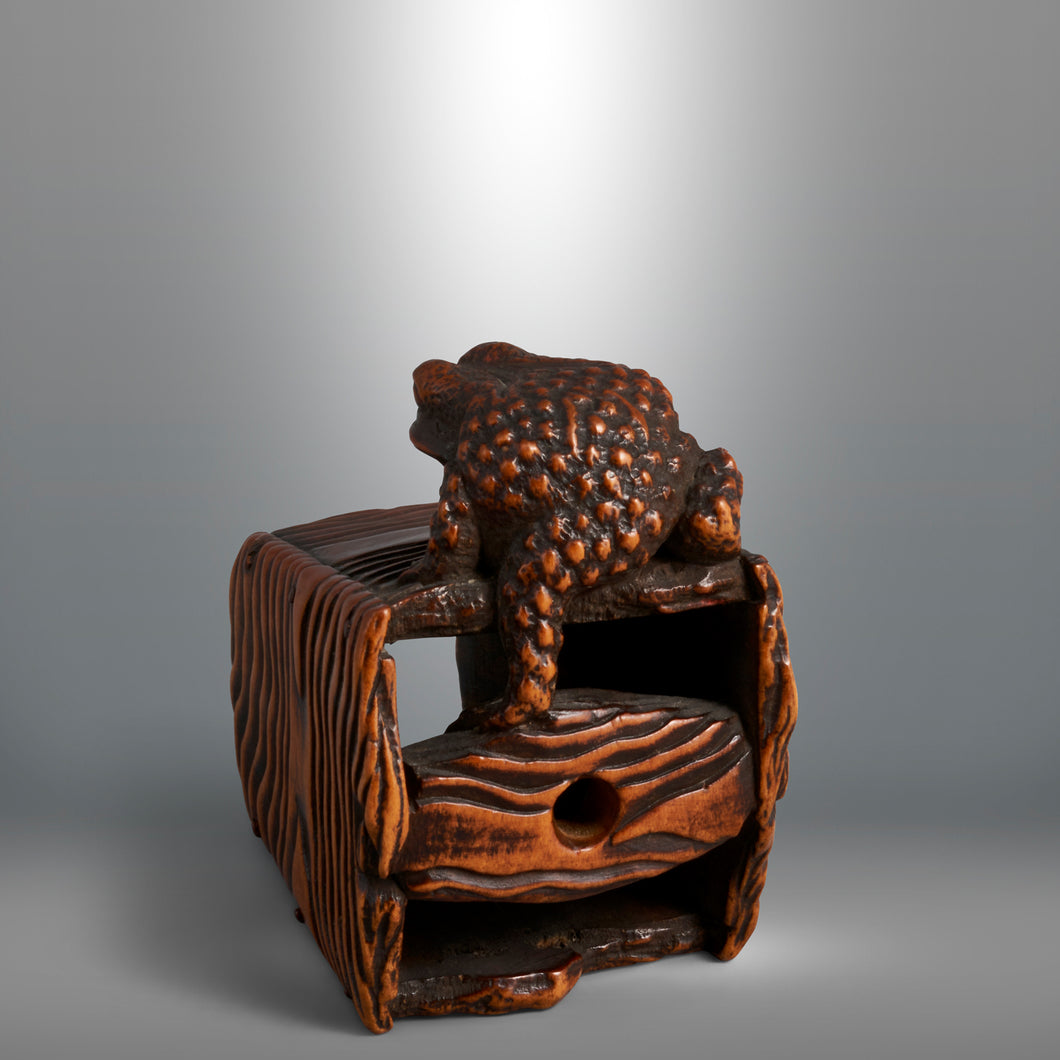 Netsuke - Toad on a Bucket
