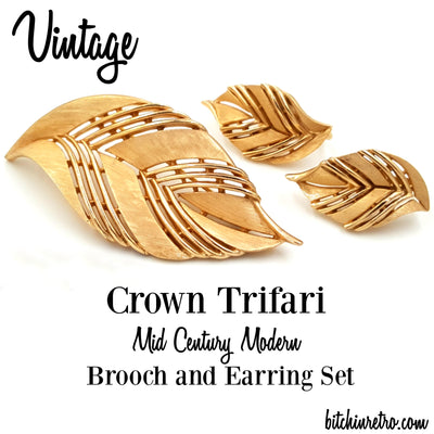 Vintage Crown Trifari Mid Century Modern Brooch Earring Set at bitchinretro.com