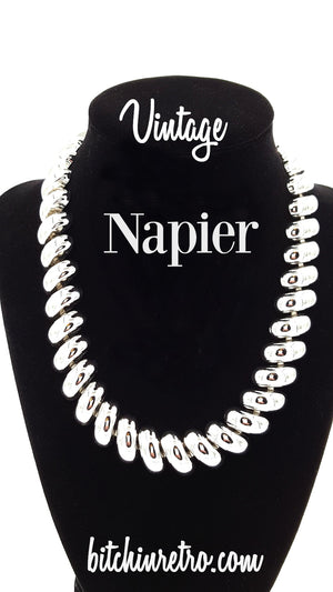Napier Vintage Necklace with Diagonal Domed Links and Scalloped Edge