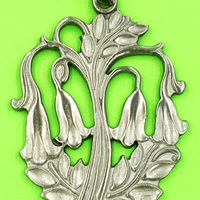 RTennesmed Vintage Angel's Trumpet Pendant at bitchinretro.com