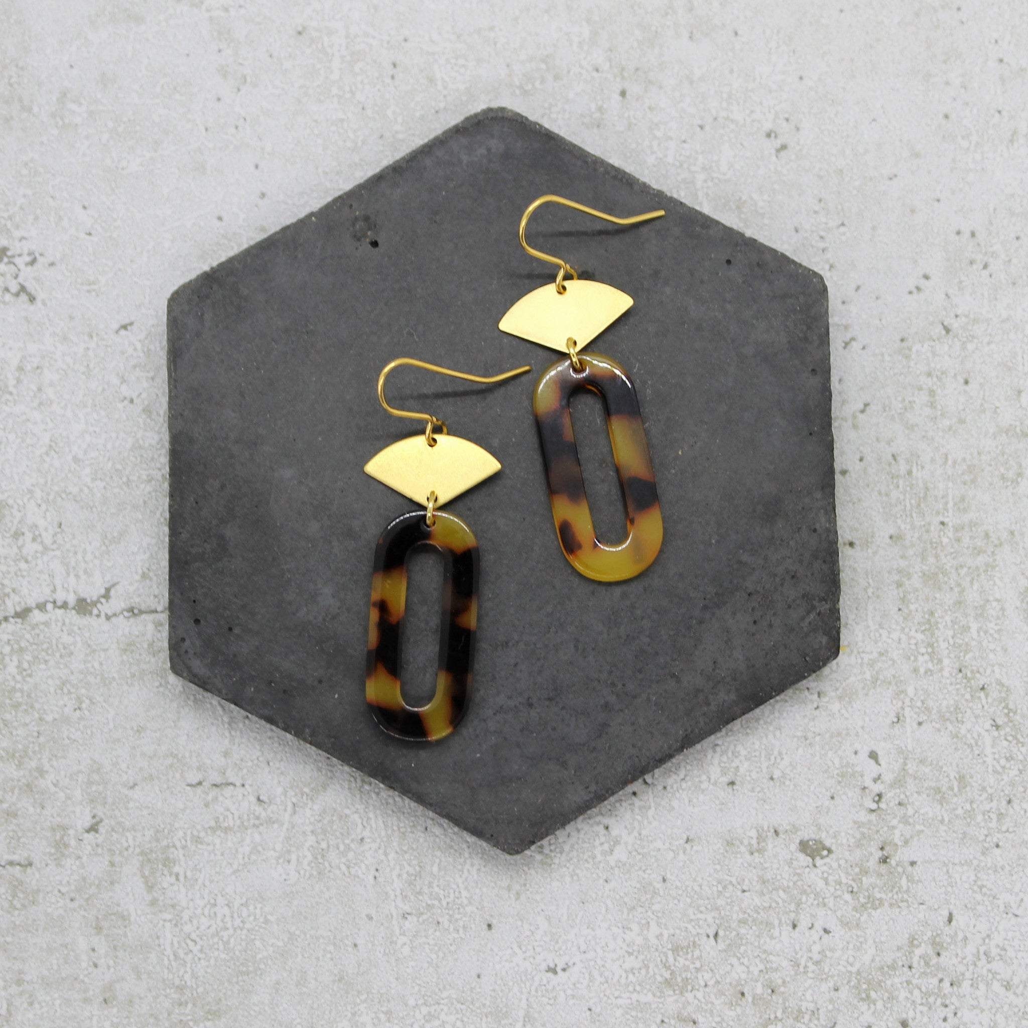 Acrylic drop earrings - Mara studio