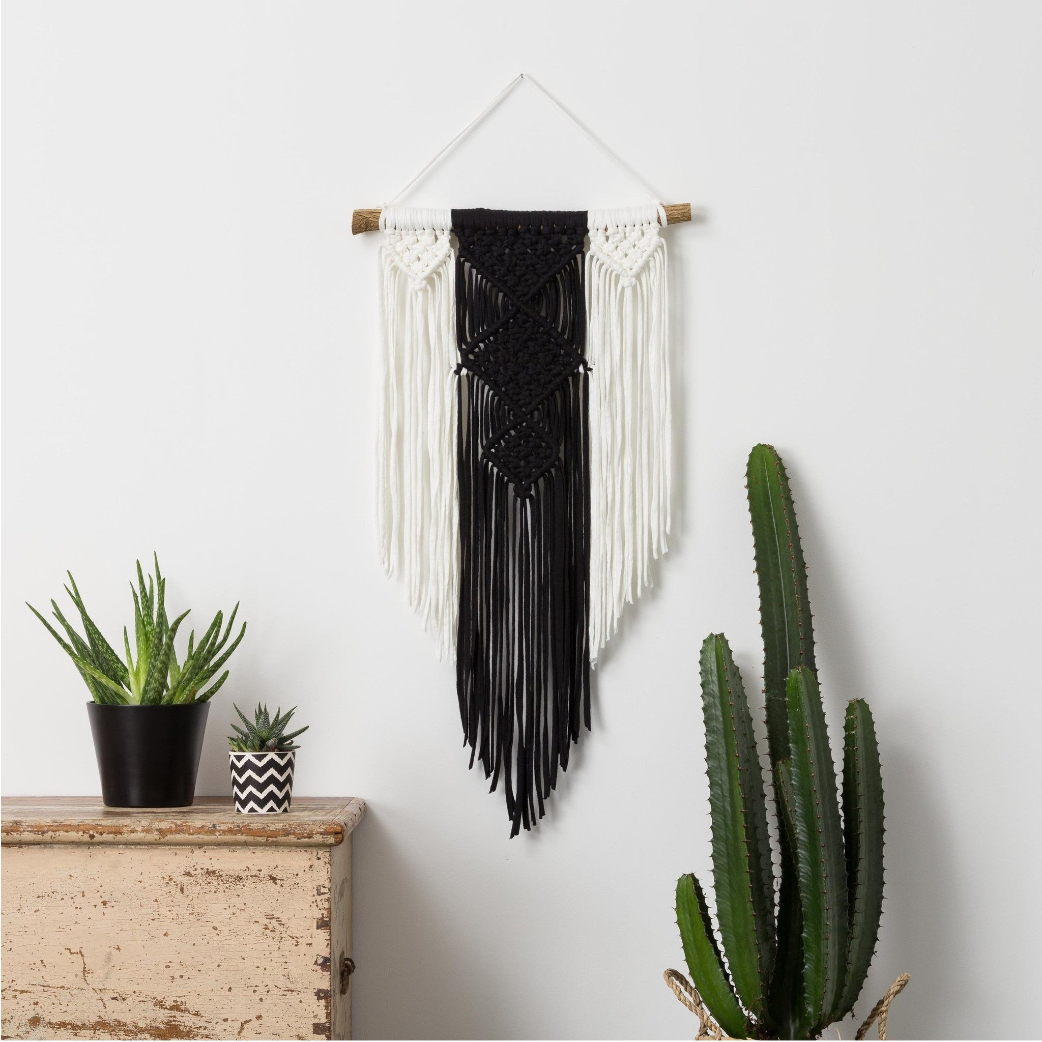 Monochrome wall hanging - Mara studio
