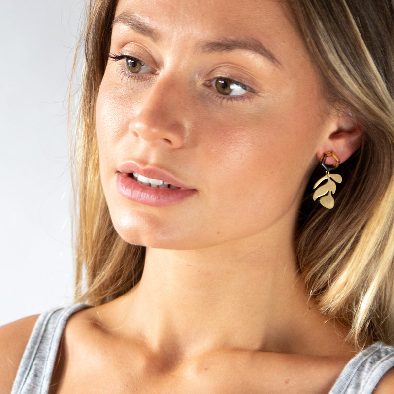 Brass leaf earrings - Mara studio