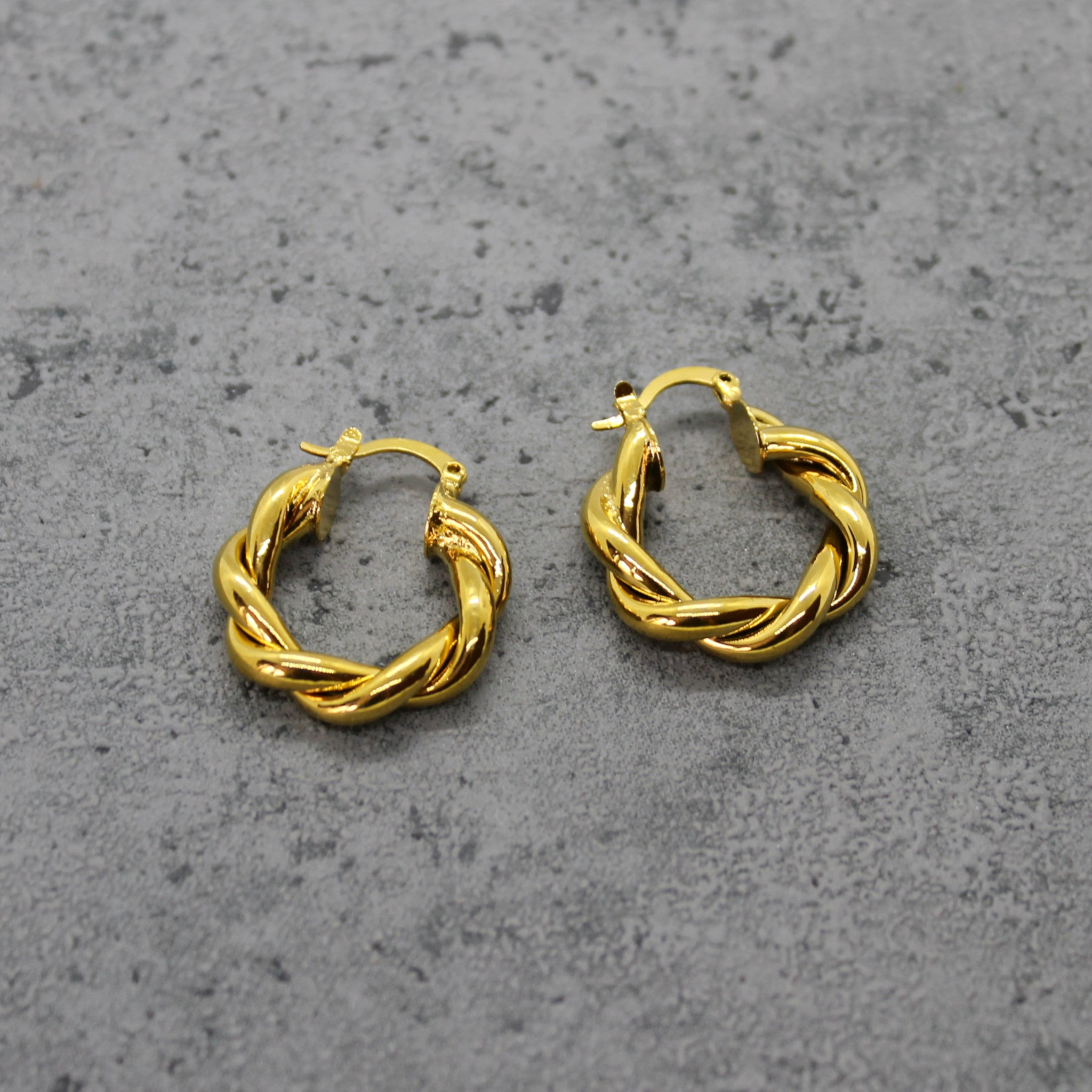 Twisted hoops - Mara studio