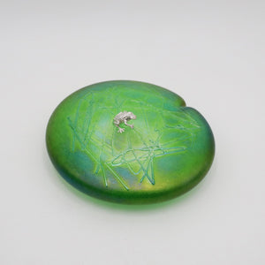 Handmade glass lily leaf shaped paperweight in green with sterling silver frog
