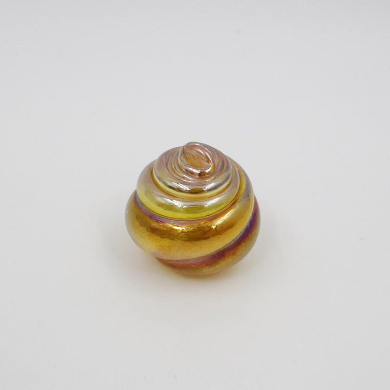 SHELL PAPERWEIGHT IN IRIDESCENT GOLD