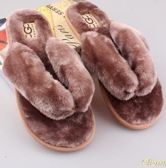 OLOMM Khaki Brown Fluffy Slippers For Women