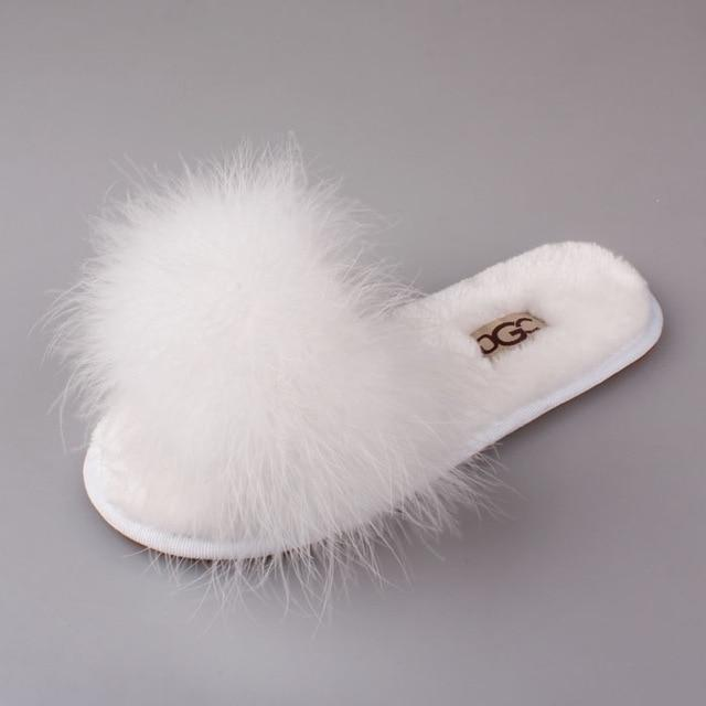 OLOMM White Fuzzy Slippers For Women