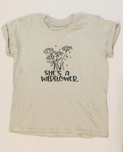 She's a wildflower, T-Shirt infant