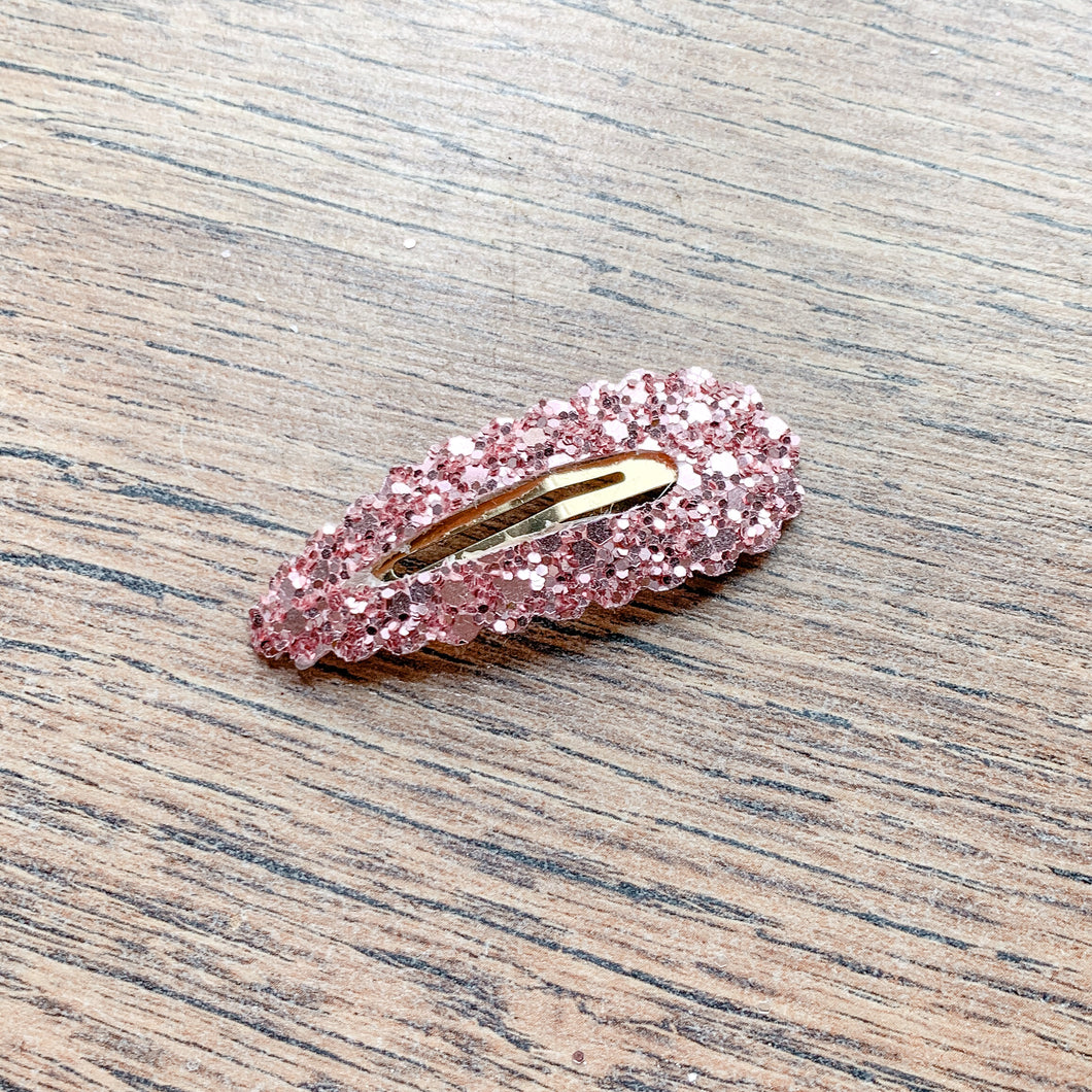 Pink glitter -  snappy clip