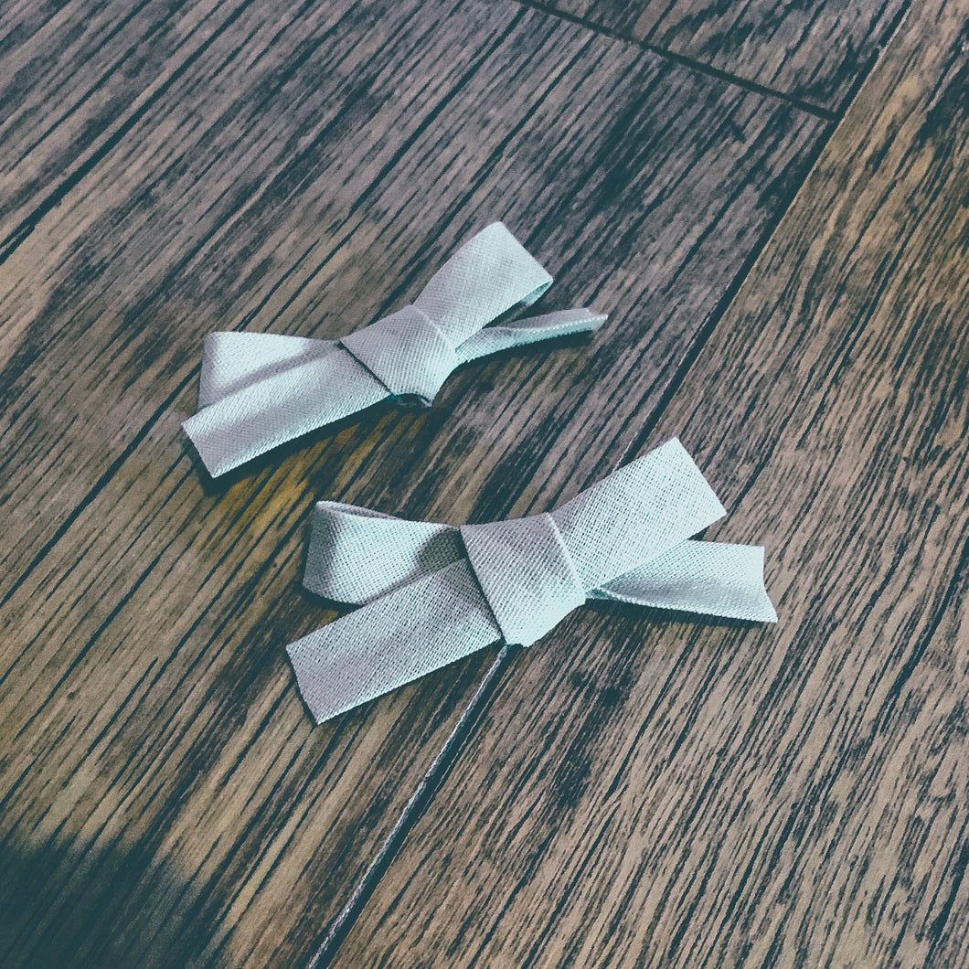 Ash Bias, hand tied petite hair bow