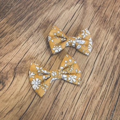 Liberty of London, Classic hair bow, Capel mustard