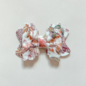 Liberty Wild Meadow pink, scalloped pinchie hair bow 🌱