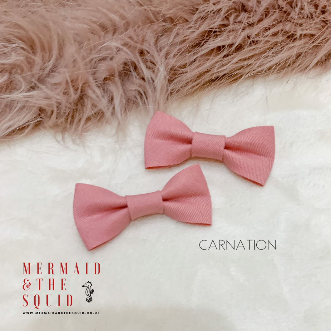 Carnation hand tied Tux Hair bow